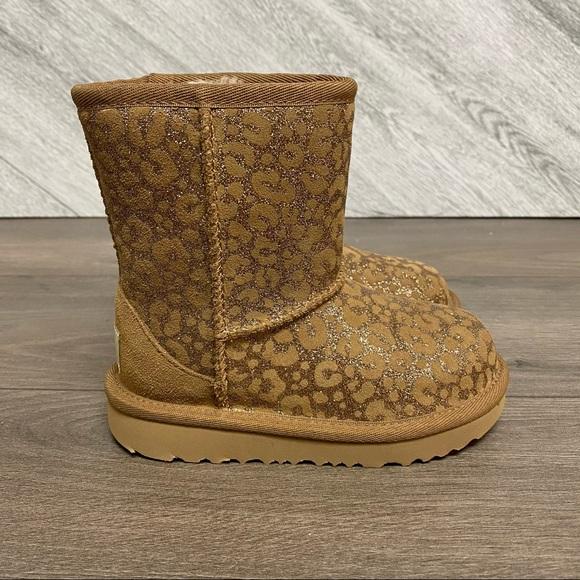 UGG | Classic II Glitter Leopard Chestnut Boots 9